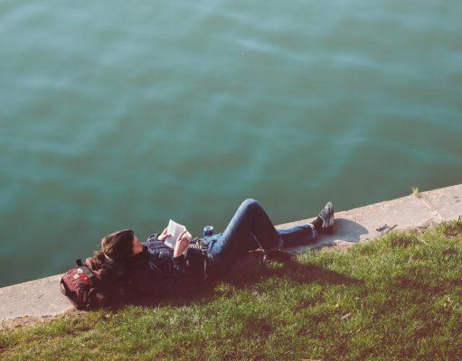woman-reading-park-lake_s