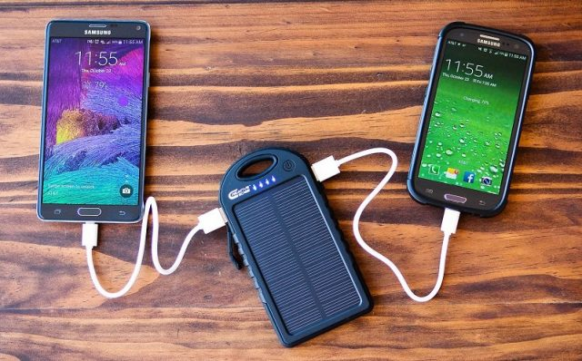 Portable-Solar-Chargers-for-Cell-Phones