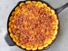 Tater-Tot-Breakfast-Pizza-Bacon
