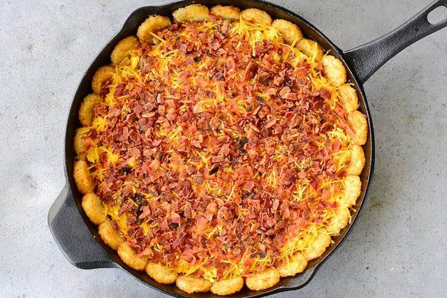Tater-Tot-Breakfast-Pizza-Bacon